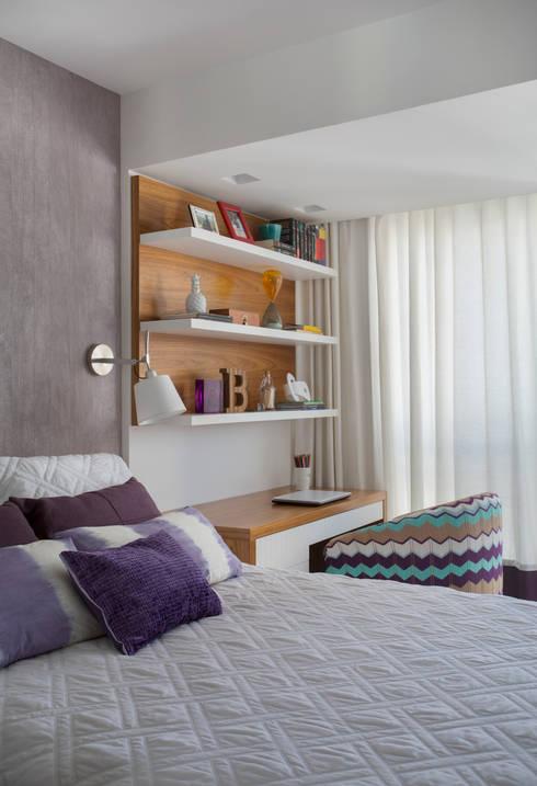 Cobertura Ipanema: Quartos  por Paula Libanio Arquitetura Interiores