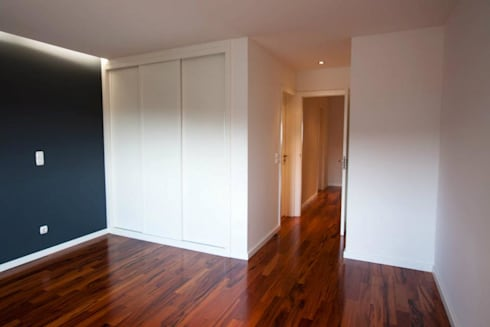 Apartamento Alvalade: Quartos modernos por DRCF Arquitectos