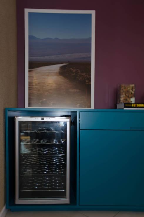 Residência Fernandes Guimarães: Salas de jantar modernas por LMartins Fotografia