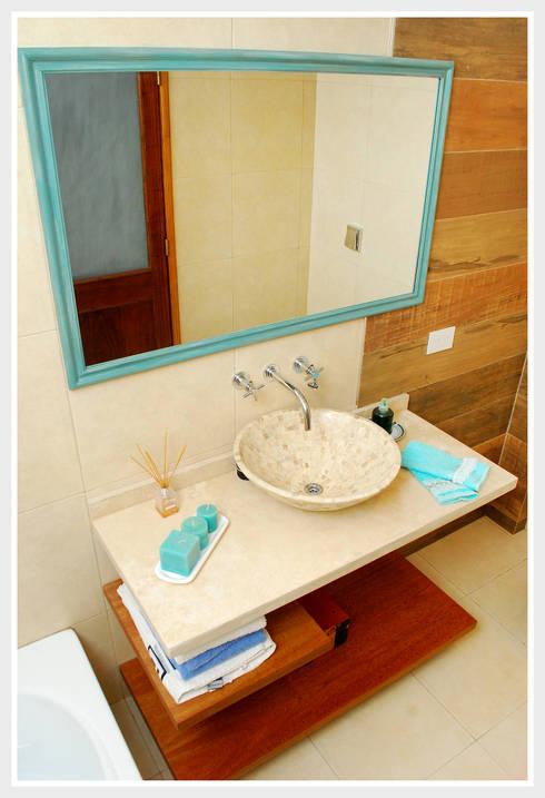 Baños de estilo  por Silvana Valerio