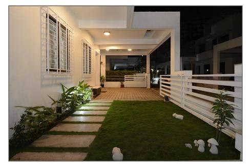 Bungalow project:  Terrace by CK Interiors Pvt Ltd