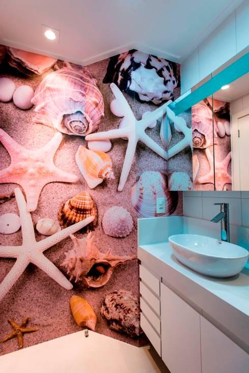 Apartamento Jovem Casal: Banheiro  por Cristine V. Angelo Boing e Fernanda Carlin da Silva