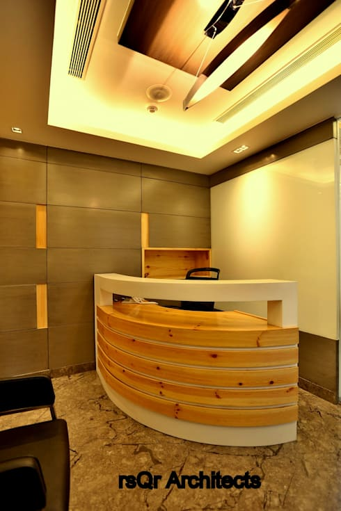 Lares & Penates Office Fitout Gurgaon by RsQr Architects:  Offices & stores by rsQr Architects