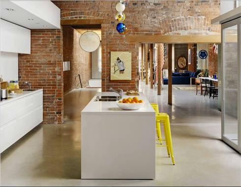 Diseño de proyectos y espacios: Cocinas de estilo moderno por Eurekaa