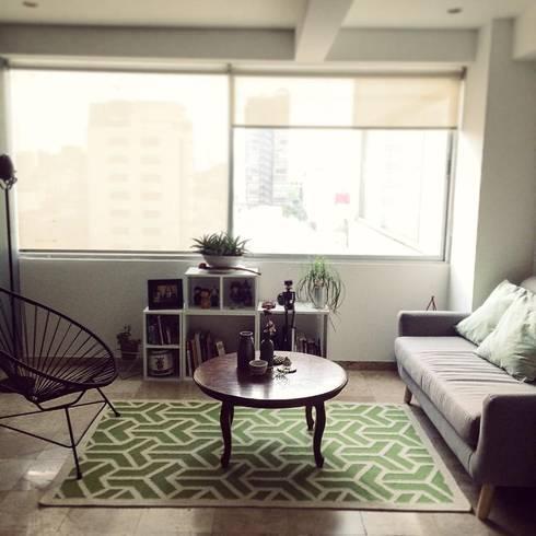 Diseño de proyectos y espacios: Salas de estilo moderno por Eurekaa