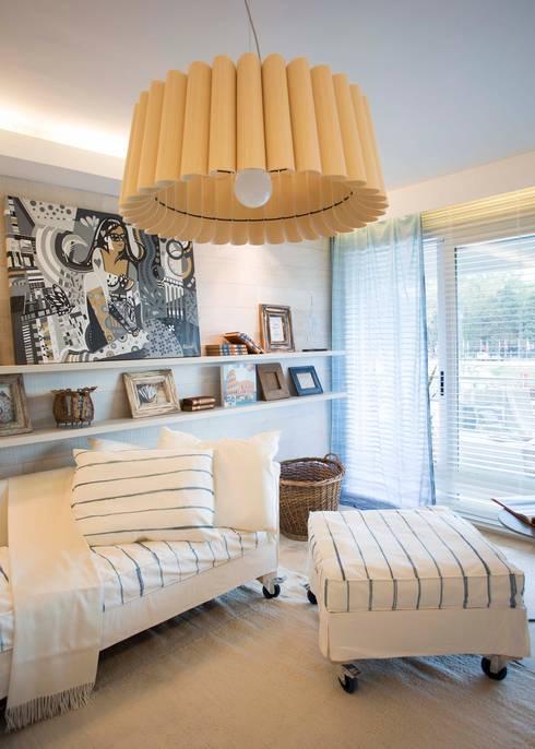 Livings de estilo moderno por Ines Calamante Diseño de Interiores