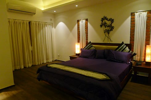 Brick House , Wardha , Nagpur, India: rustic Bedroom by Mu design