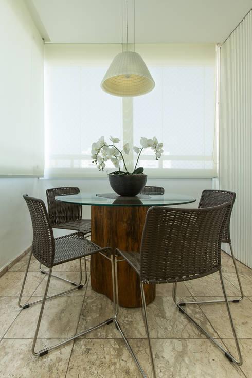 Apartamento VL: Terraços  por Flavia Castellan Arquitetura