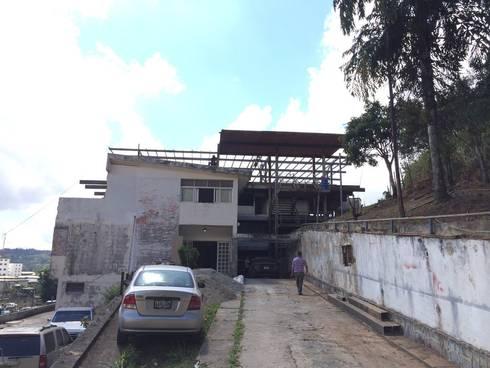 Oficinas Centrales de Instalaciones Deportivas:  de estilo  por Arquitecto Juan Pablo Fernandes