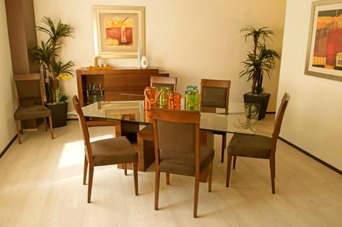 Gibraltar: Comedor de estilo  por Muebles Maple