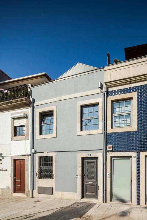 Casa Cedofeita: Casas modernas por Floret Arquitectura
