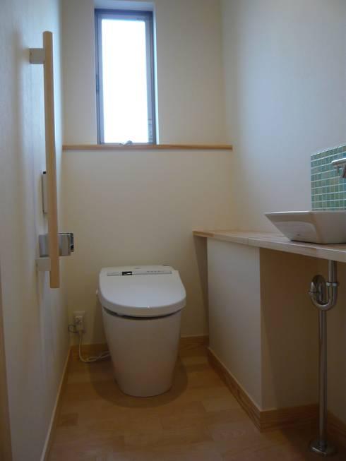 北野の稲穂庵: 設計工房 A・D・FACTORY 一級建築士事務所が手掛けた浴室です。