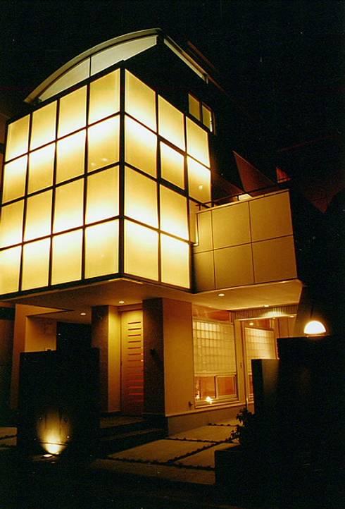 Maisons de style de style eclectique par 設計工房 A・D・FACTORY 一級建築士事務所