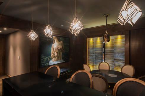 Jesco: Salas de estilo moderno por Studio Orfeo Quagliata