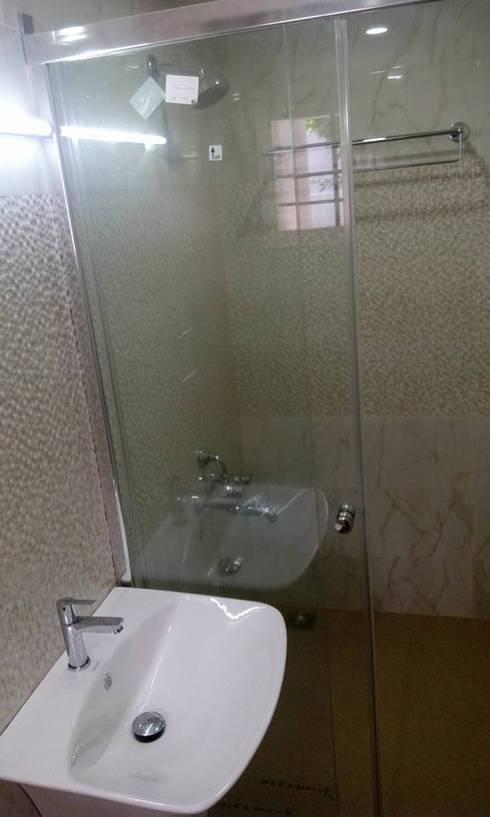 Bangalow: modern Bathroom by homecenterktm