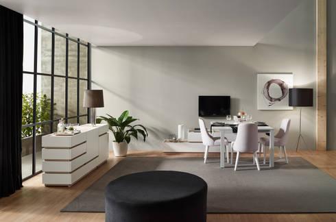 Moverel: Salas de jantar modernas por MOVEREL-Indústria de Mobiliário, SA