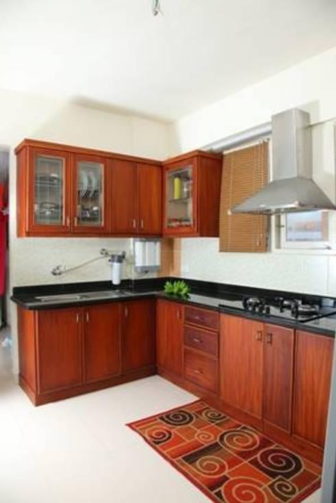 TRADITIONAL INTERIORS.: modern Kitchen by homecenterktm