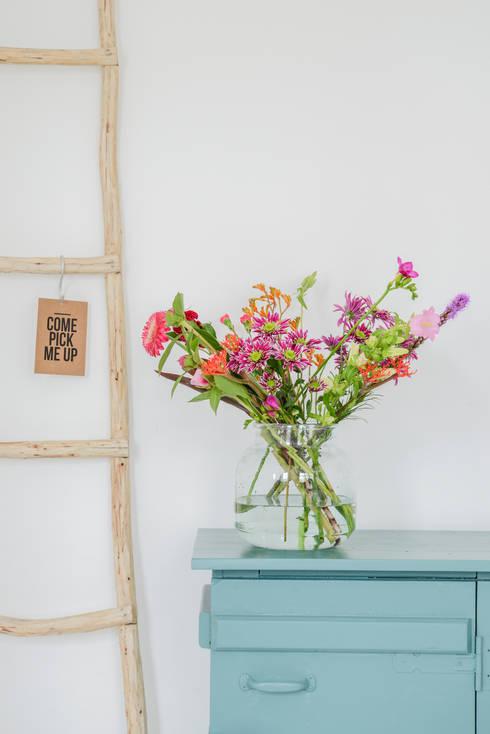 Blumen Small:  Flur, Diele & Treppenhaus von Bloomon Deutschland