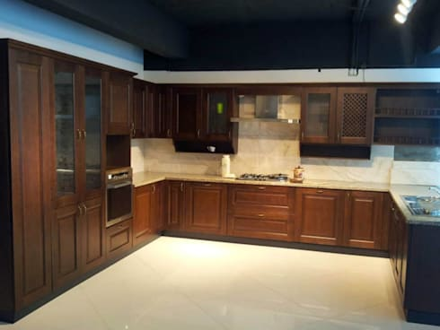 ITALIAN KITCHENS: modern Kitchen by homecenterktm