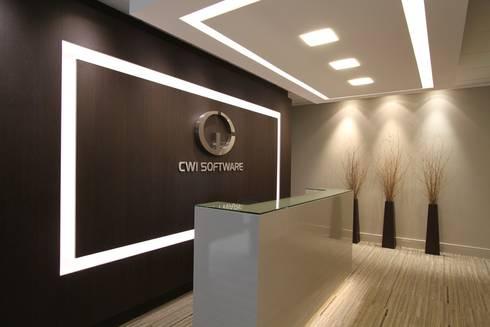 CWI Software – Porto Alegre: Espaços comerciais  por Mundstock Arquitetura