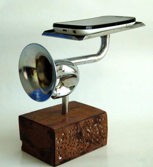 Amplificador Musical para Celular - Mesa (pequena): Arte  por QueLindo - Arte Decorativa
