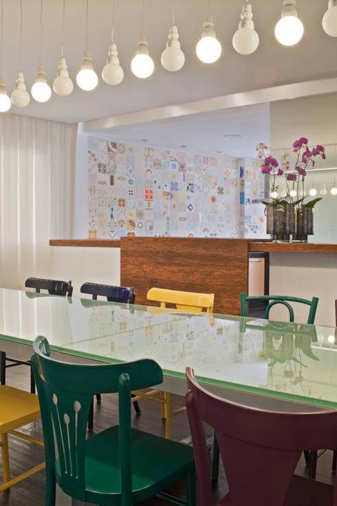 Cobertura Belvedere: Salas de jantar modernas por Dubal Arquitetura e Design