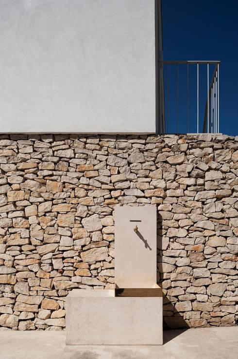 Walls by BICA Arquitectos