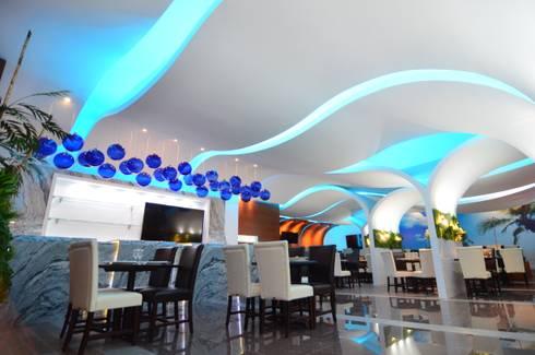 PONTE ALMEJA: Bares y discotecas de estilo  por TARQUS