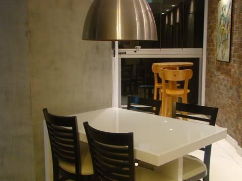 Jantar: Salas de jantar minimalistas por juliana lana e oziel alvernaz
