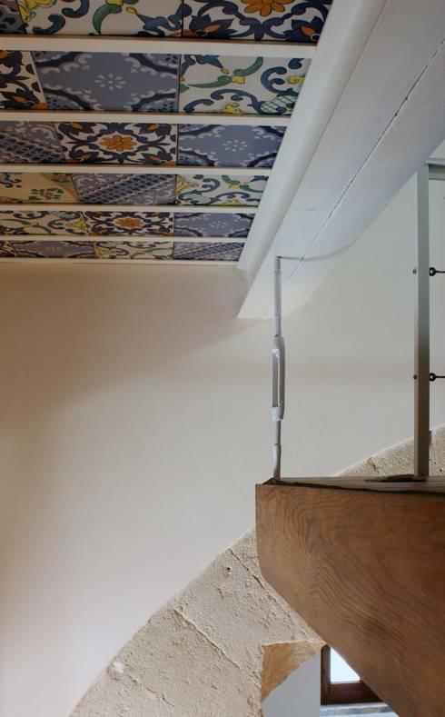 Case Coppola: Soggiorno in stile in stile Mediterraneo di Ad'A