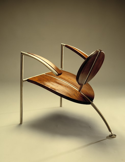 Cadeira Mitsuhirato: Casa  por Atelier Pedro Silva Dias