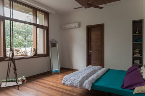 Daughter's Bedroom: modern Bedroom by Design Plus
