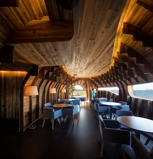 Cella Bar:   por Fcc Arquitectura