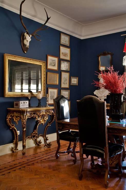 Blue Dinning Room: Sala de jantar  por CUBICULUM   //  arquitectura & interiores