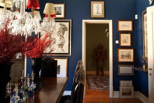 Blue Dinning Room: Salas de jantar ecléticas por CUBICULUM   //  arquitectura & interiores