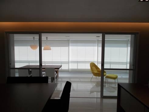 Apartamento A+R: Salas de jantar modernas por Tiago Rocha Interiores
