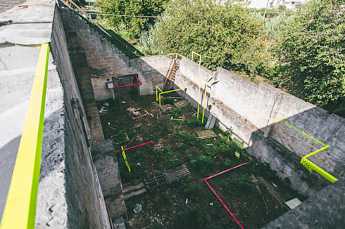 Serious House: Jardins ecléticos por FAHR 021.3