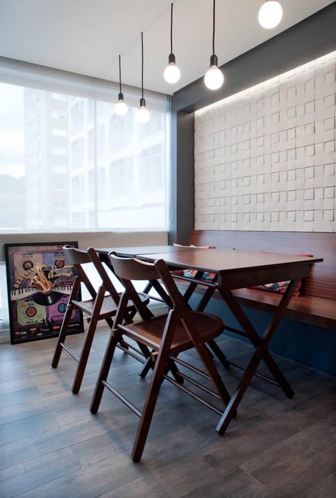 Apartamento MGT: Terraços  por Maxma Studio