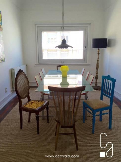 Casas com catraios: Sala de jantar  por Catraia