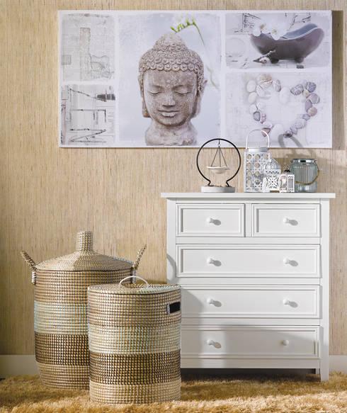 Inspiração oriental: Sala de estar  por DeBORLA