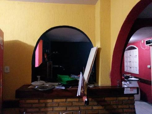 Área do salao antes da reforma:   por CARDOSO CHOUZA ARQUITETOS