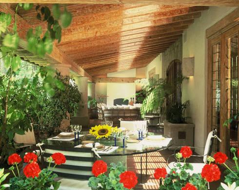 Casa R: Terrazas de estilo  por JR Arquitectos