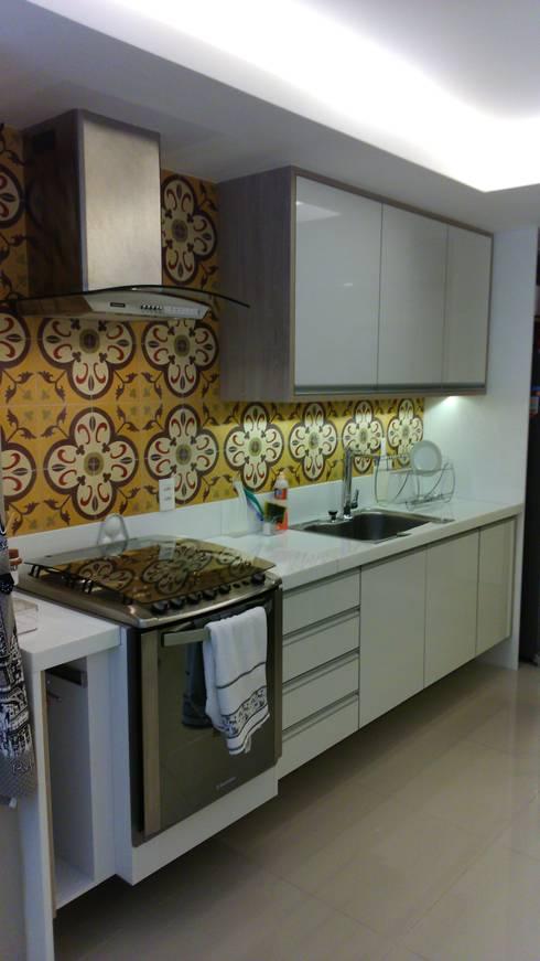 Cozinha :   por Caroline Lima Arquitetura