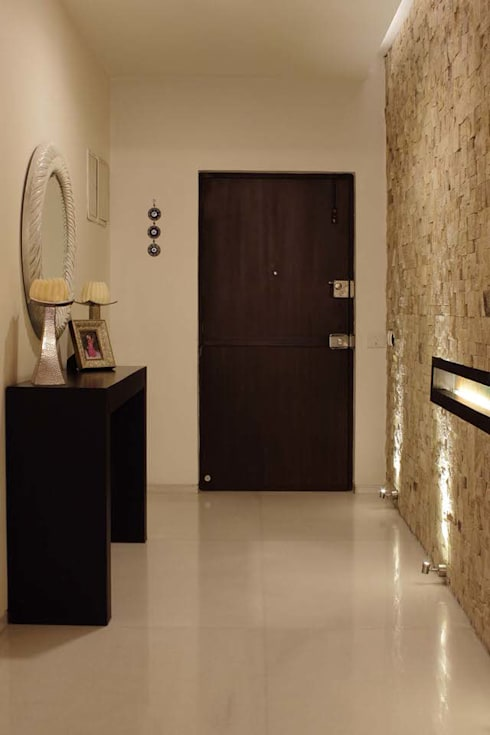Apartment at Embassay Woods:  Corridor & hallway by In-situ Design