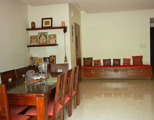 Villa at Ezperenza, Whitefield: modern Dining room by Interiors By Suniti