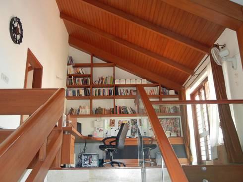 Villa at Ezperenza, Whitefield: modern Study/office by Interiors By Suniti
