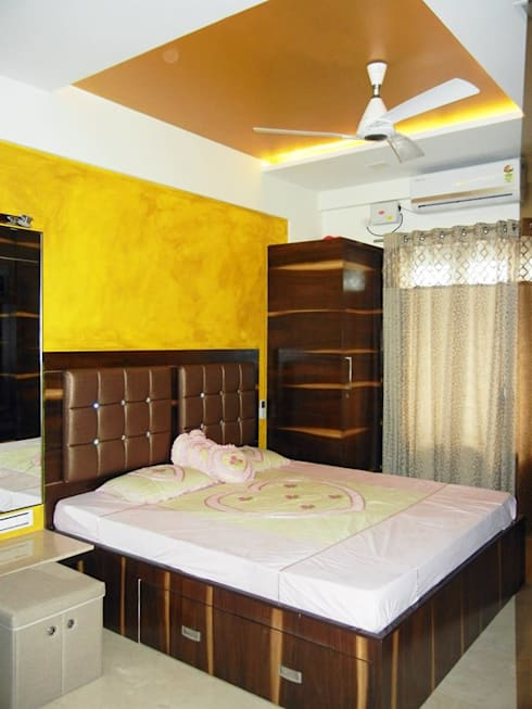 3BHK apartment:  Bedroom by Interiors By Suniti