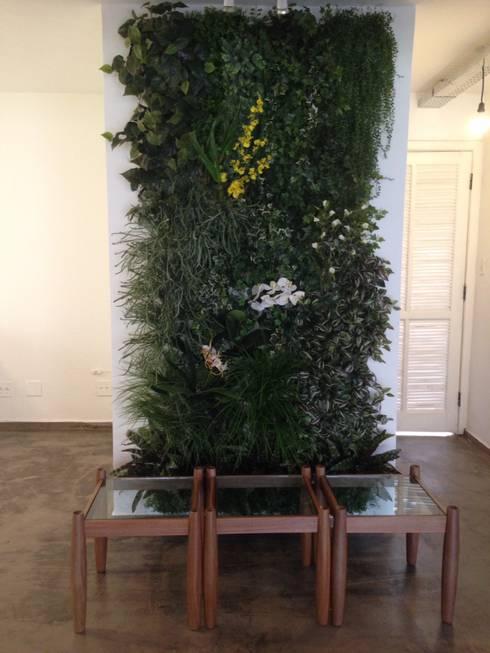 Jardines de invierno de estilo  por Junia Lobo Paisagismo