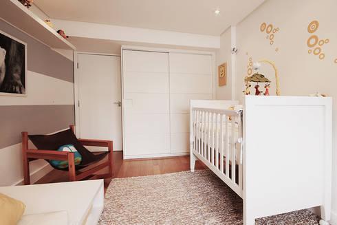 Apartamento Moema: Quarto infantil  por Officina44