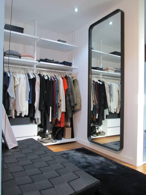 Dressing de style de style Moderne par Marc Pérez Interiorismo